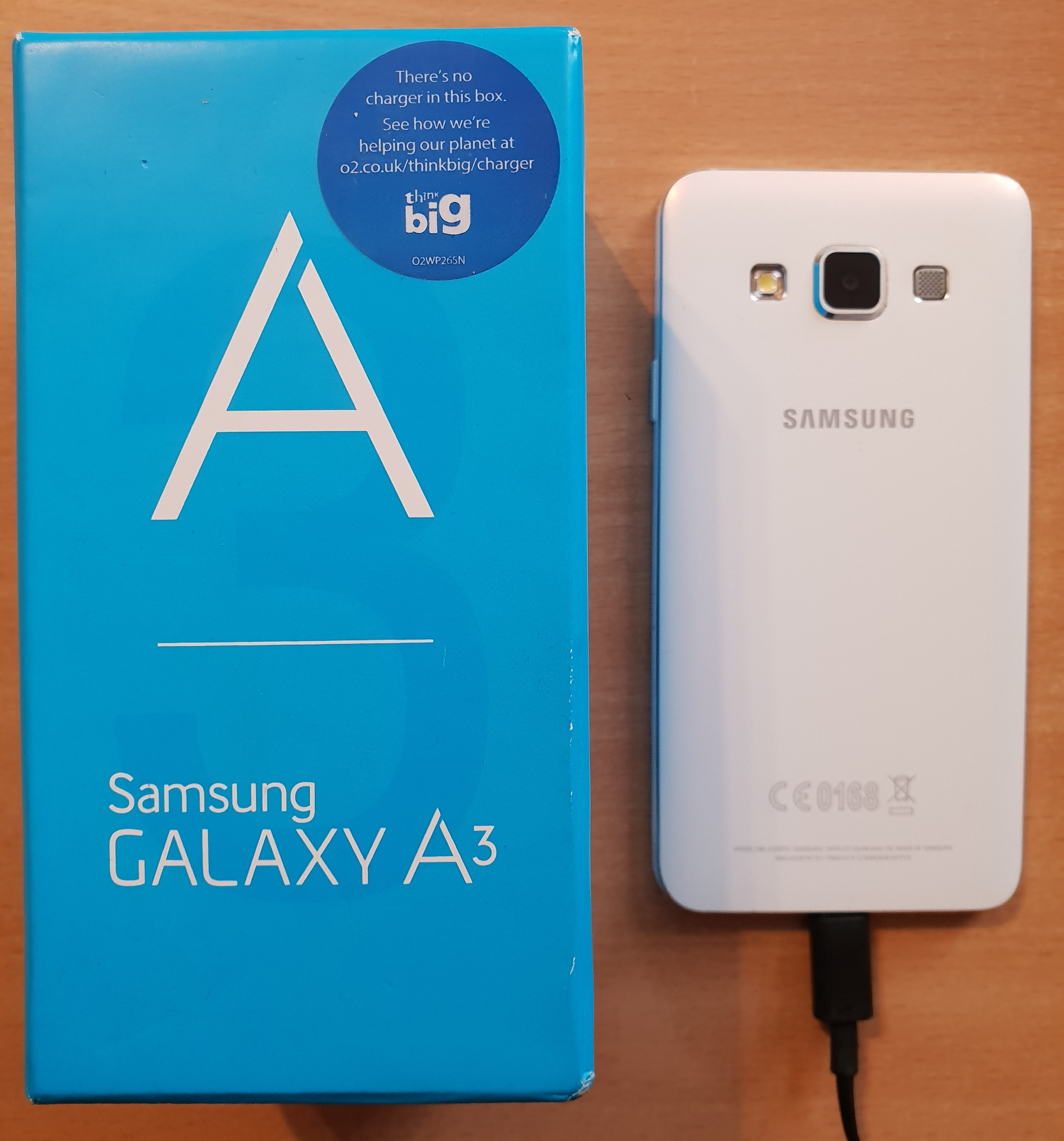 Samsung Galaxy A3 A300FU - Locked 2